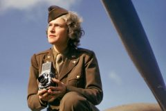 Margaret Bourke-White with the US Bomber Command in England 1942-001