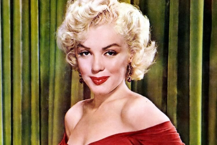 Marilyn Monroe - Red dress in 1952