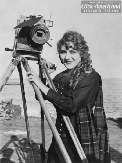 Mary Pickford 1916 - with motion picture camera