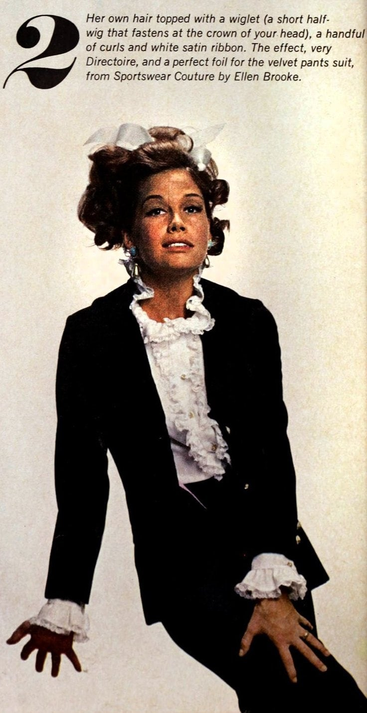 Mary Tyler Moore models the era's hottest wigs 1966 (3)