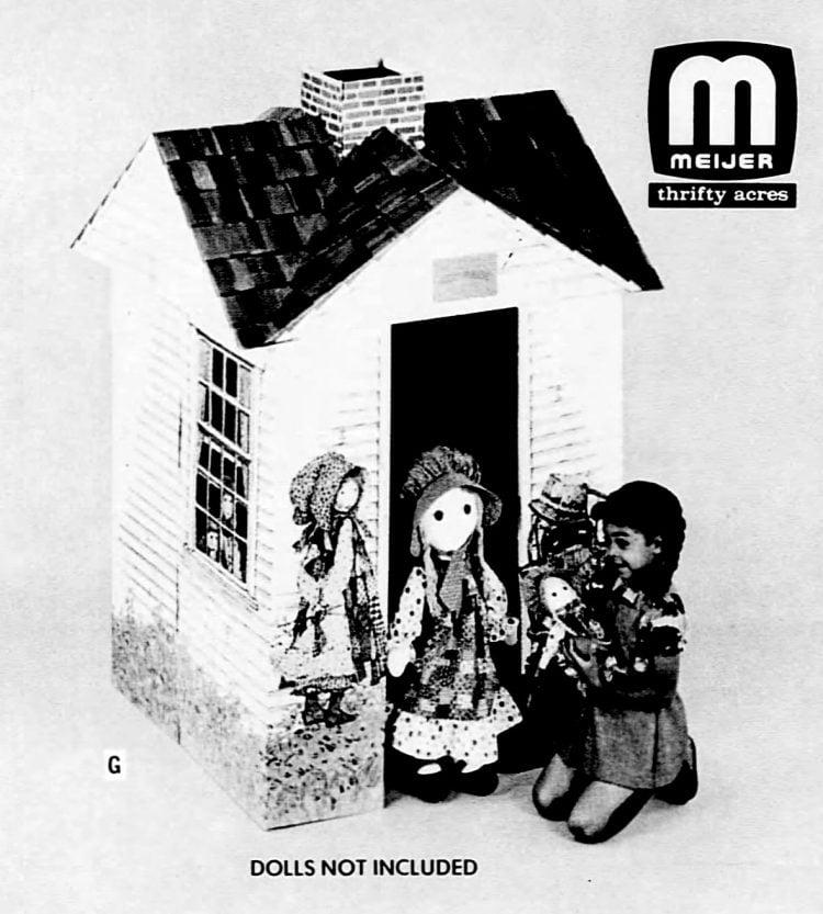 Holly Hobbie play house (1976)