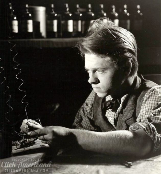 Mickey Rooney as Young Tom Edison