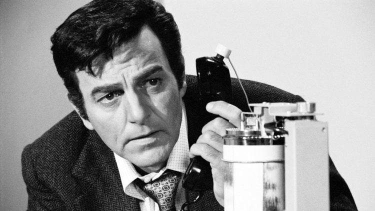 Mike Connors is Mannix - Vintage TV detective show 1970s (2)