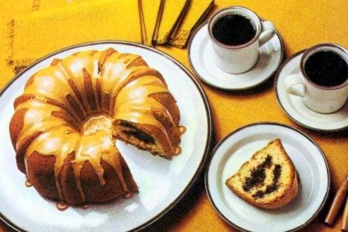 Mocha sour cream cake - Retro recipe
