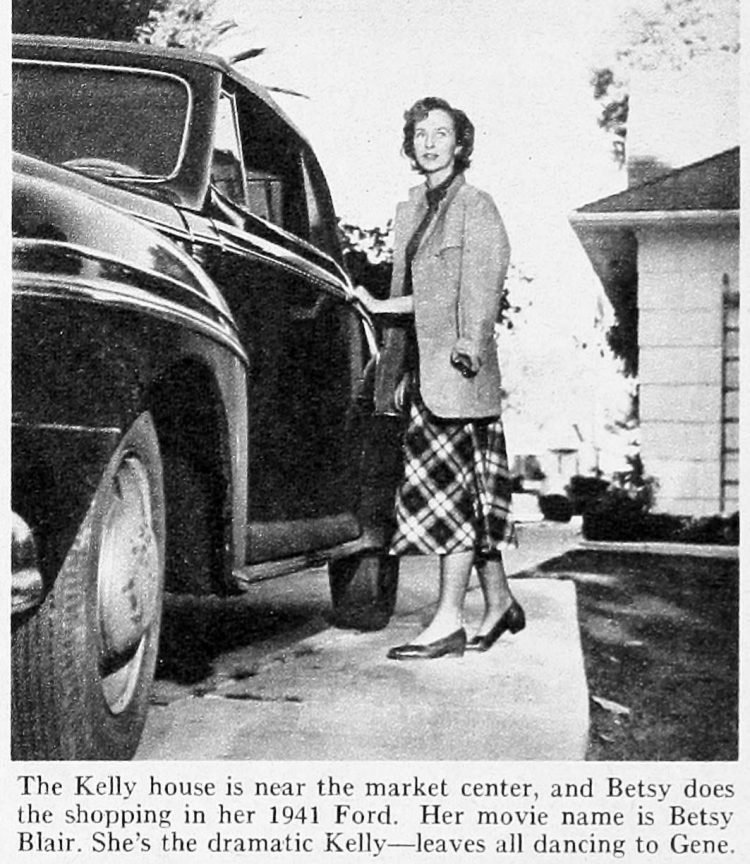Modern Screen Gene Kelly home tour 1950 (6)