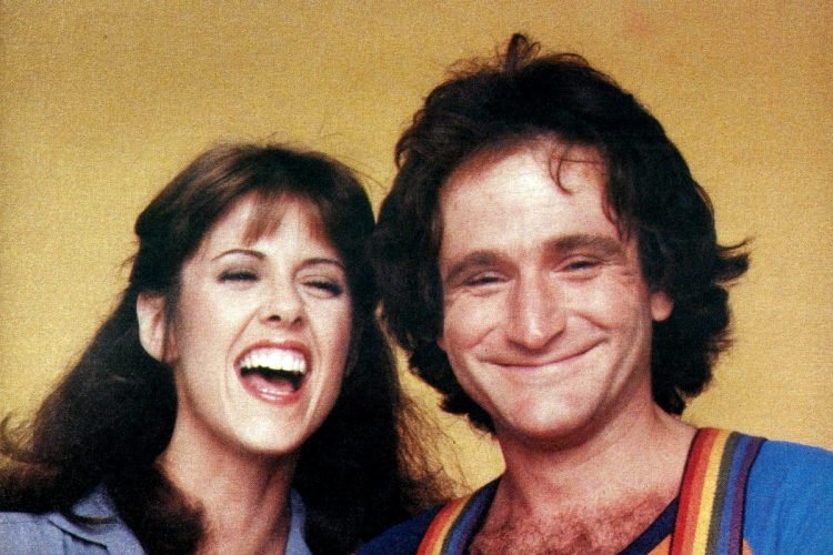 Mork and Mindy - Robin Williams and Pam Dawber (2)
