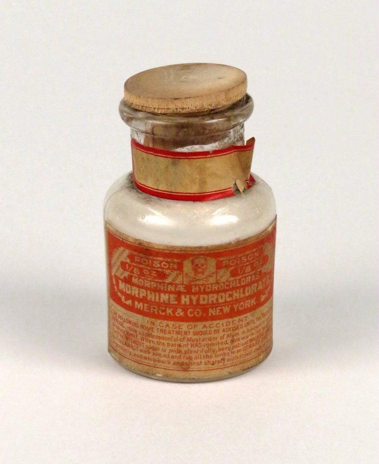 Morphine Hydrochlorate - Merck - Smithsonian CC0