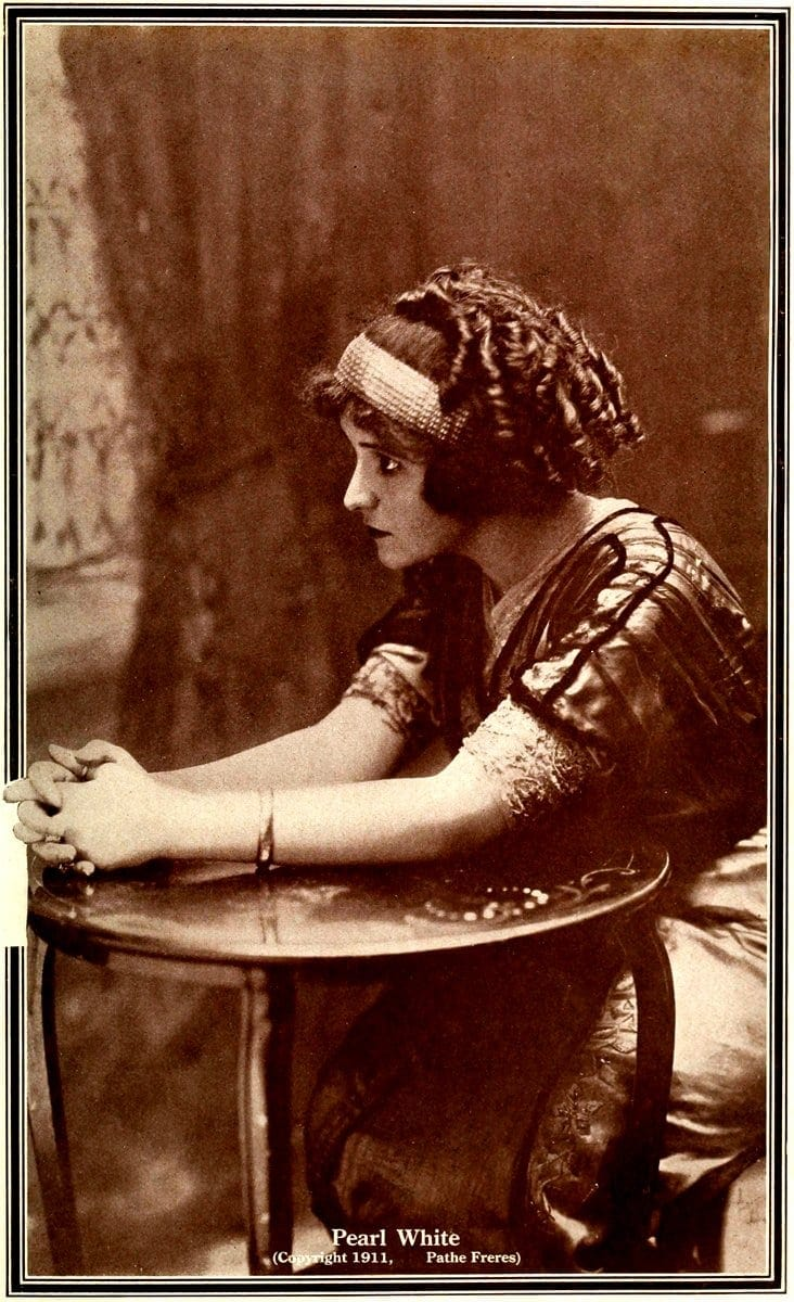 Movie actress Pearl White hairstyle 1911