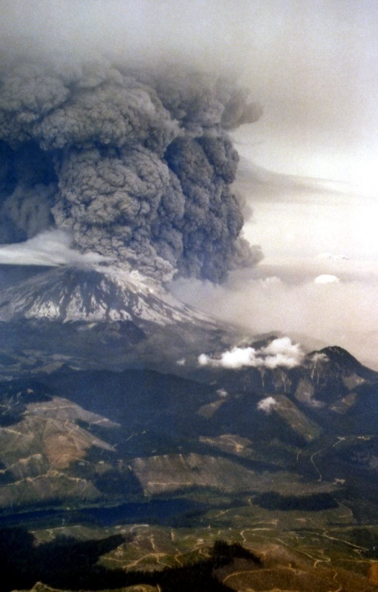 Mt St Helens eruption as seen from the south; Oman/Combs; May 18, 1980