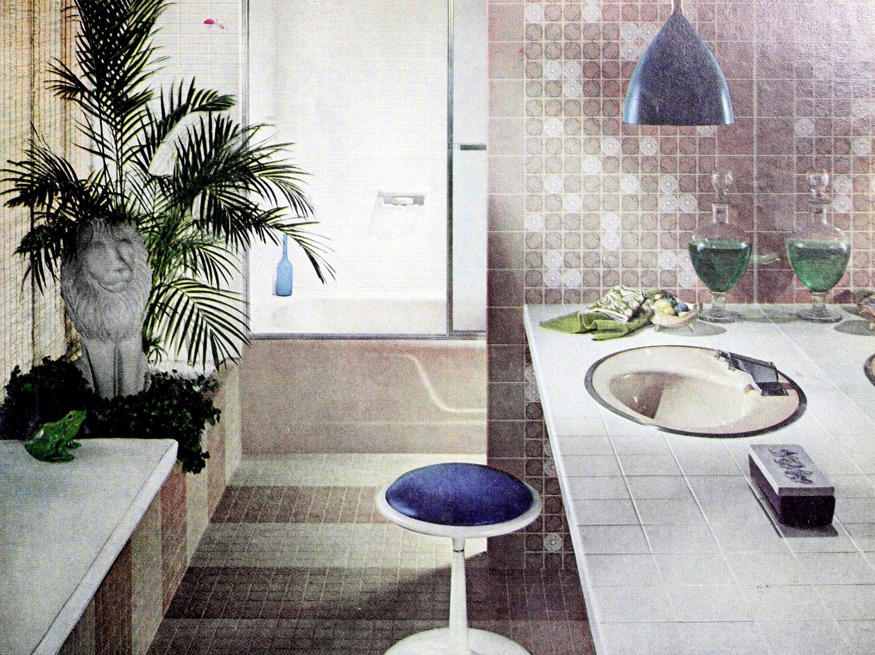 Muted brown and white tile bathroom with circle pattern tiles (1966)