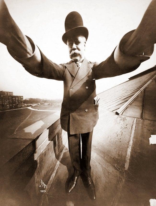 NY Photographer Joseph Byron's vintage self-portrait photo (1920) at ClickAmericana com
