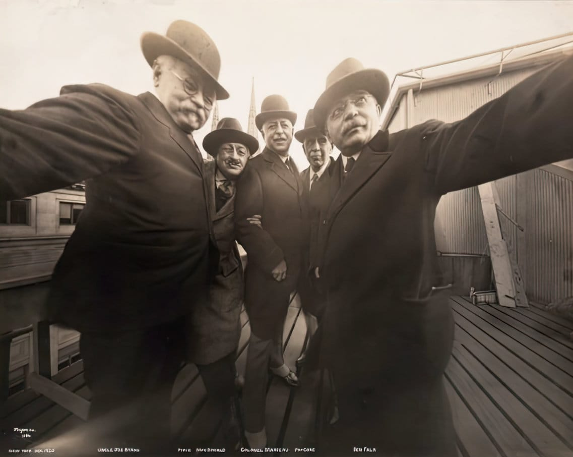 NYC photographers - Group selfie from 1920 at ClickAmericana com
