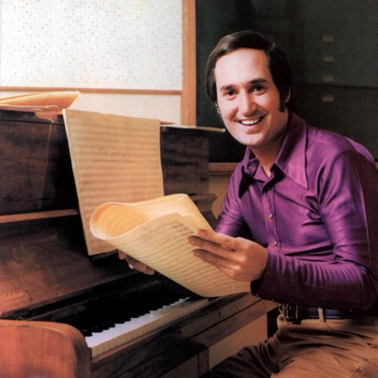 Neil Sedaka at piano - promo photo