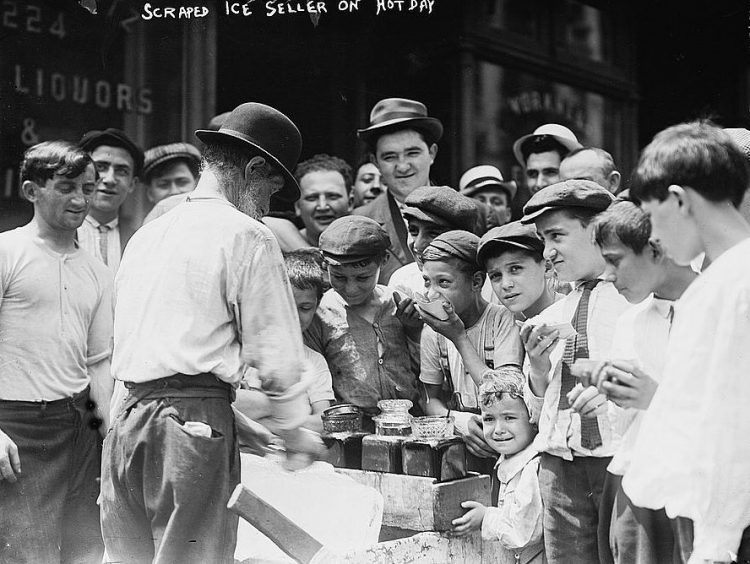 New York heat wave in 1911 - Scraped Ice Seller on Hot Day