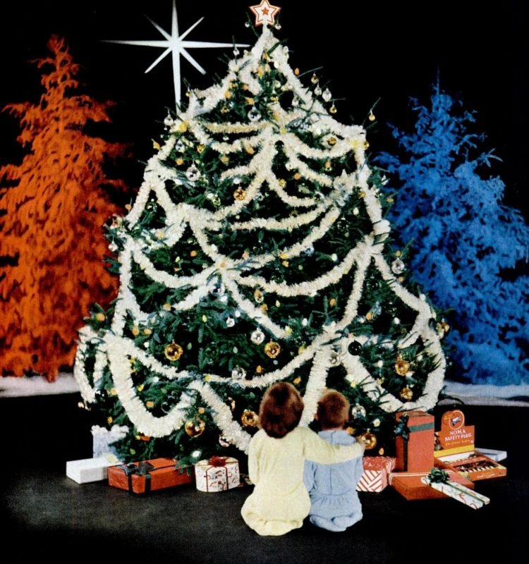Nov 26, 1956 Christmas tree lights