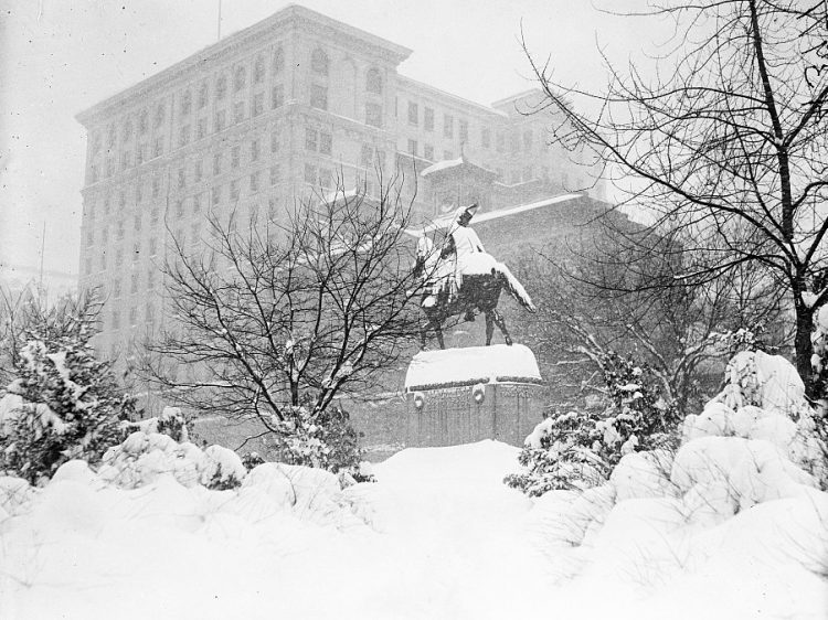 Old 20s snowstorm in Washington DC 1922 (6)