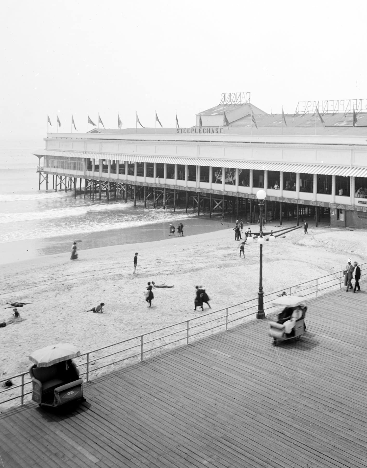 Old Atlantic City at the turn of the century (1)