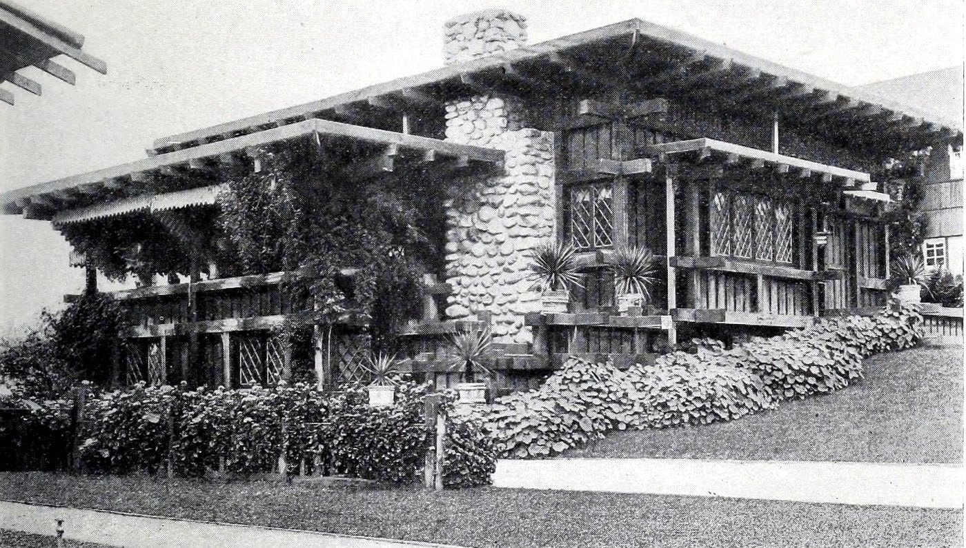 Old Craftsman-style home (7)