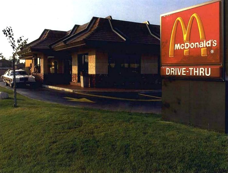 Old McDonald's resturants in the 1980s (4)