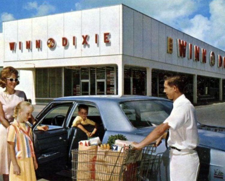 Old Winn-Dixie grocery store - 1965 8