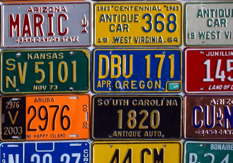 Old and antique US license plates (4)