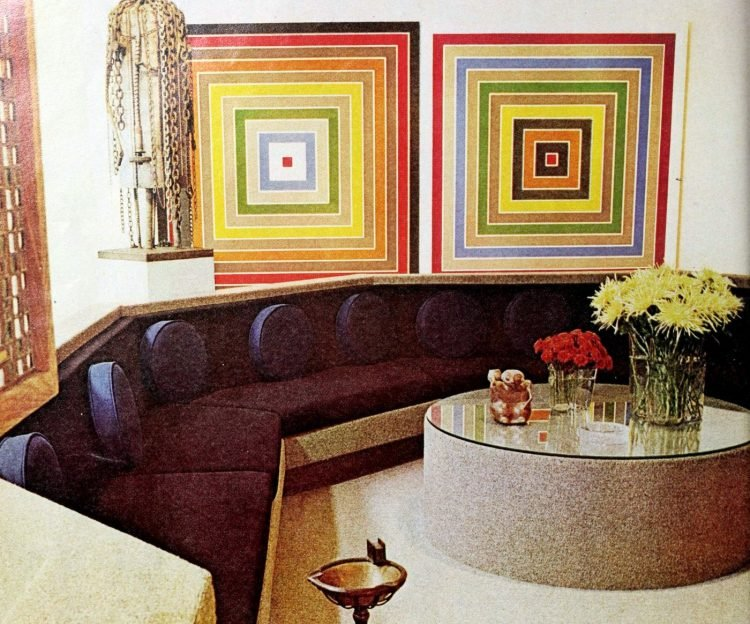 Old built-in sofa seating area from the seventies