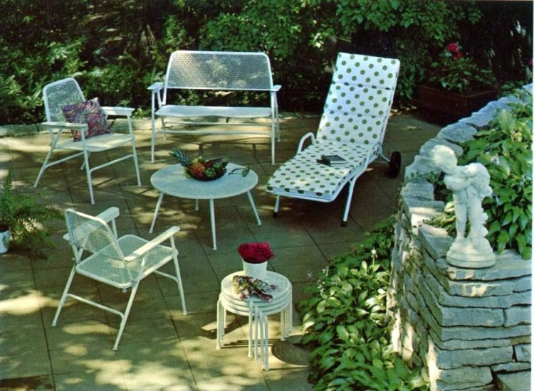 Old-fashioned backyard patio furniture from 1972 (1)
