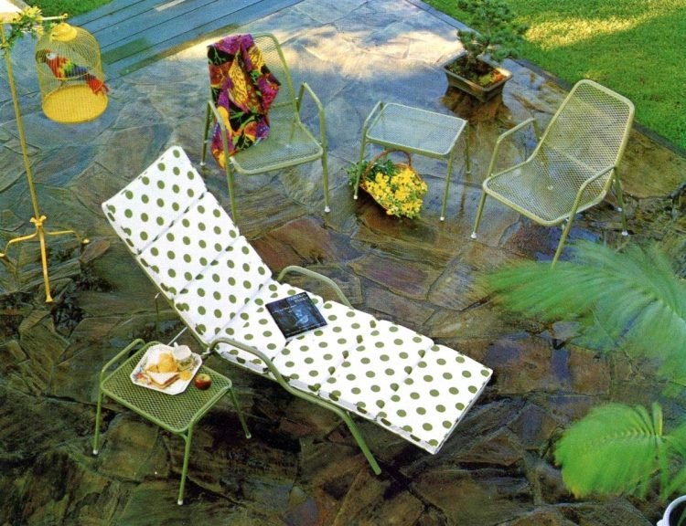 Old-fashioned backyard patio furniture from 1972 (2)