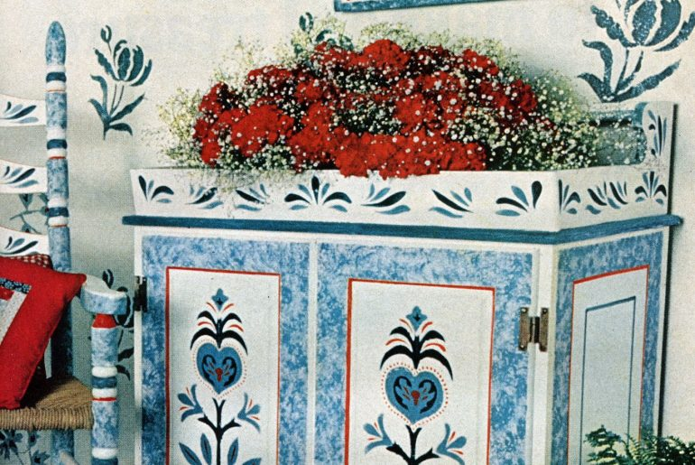 Old-fashioned ways to decorate your home with traditional stencil patterns