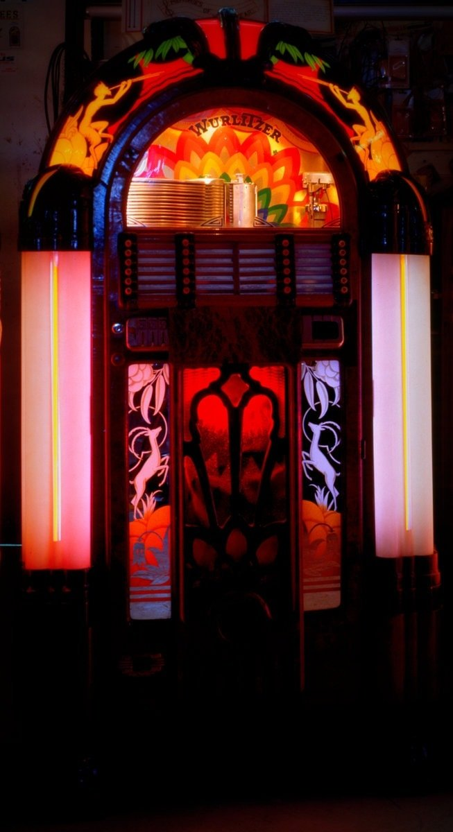 Old jukeboxes with lights (2)