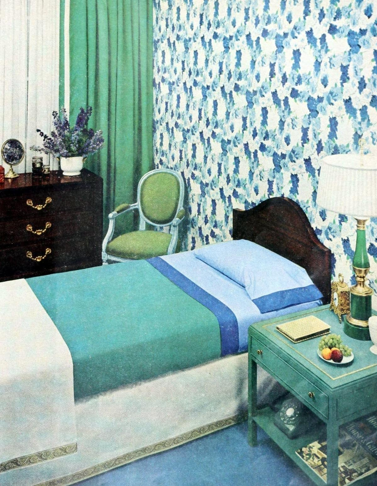Bed in blue and green vintage bedroom from the 1950s