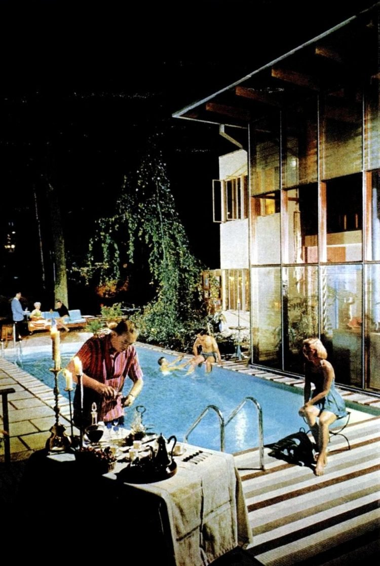 Party-friendly vintage swimming pool