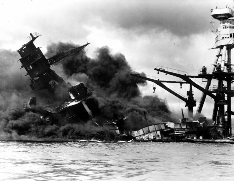 The Pearl Harbor attack in Hawaii: Japan declares war (1941)