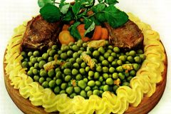 Peas confetti recipe with lamb chops