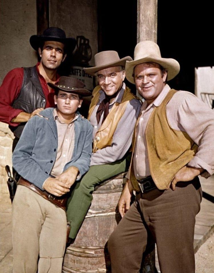 Pernell Roberts (Adam Cartwright), Michael Landon (Little Joe Cartwright), Lorne Green (Ben Cartwright)