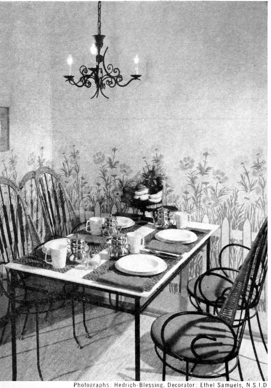 Picket fence-themed kitchen corner dining area