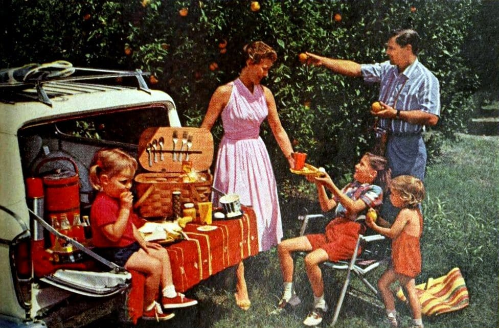 Picnics with family in old Florida (1961)