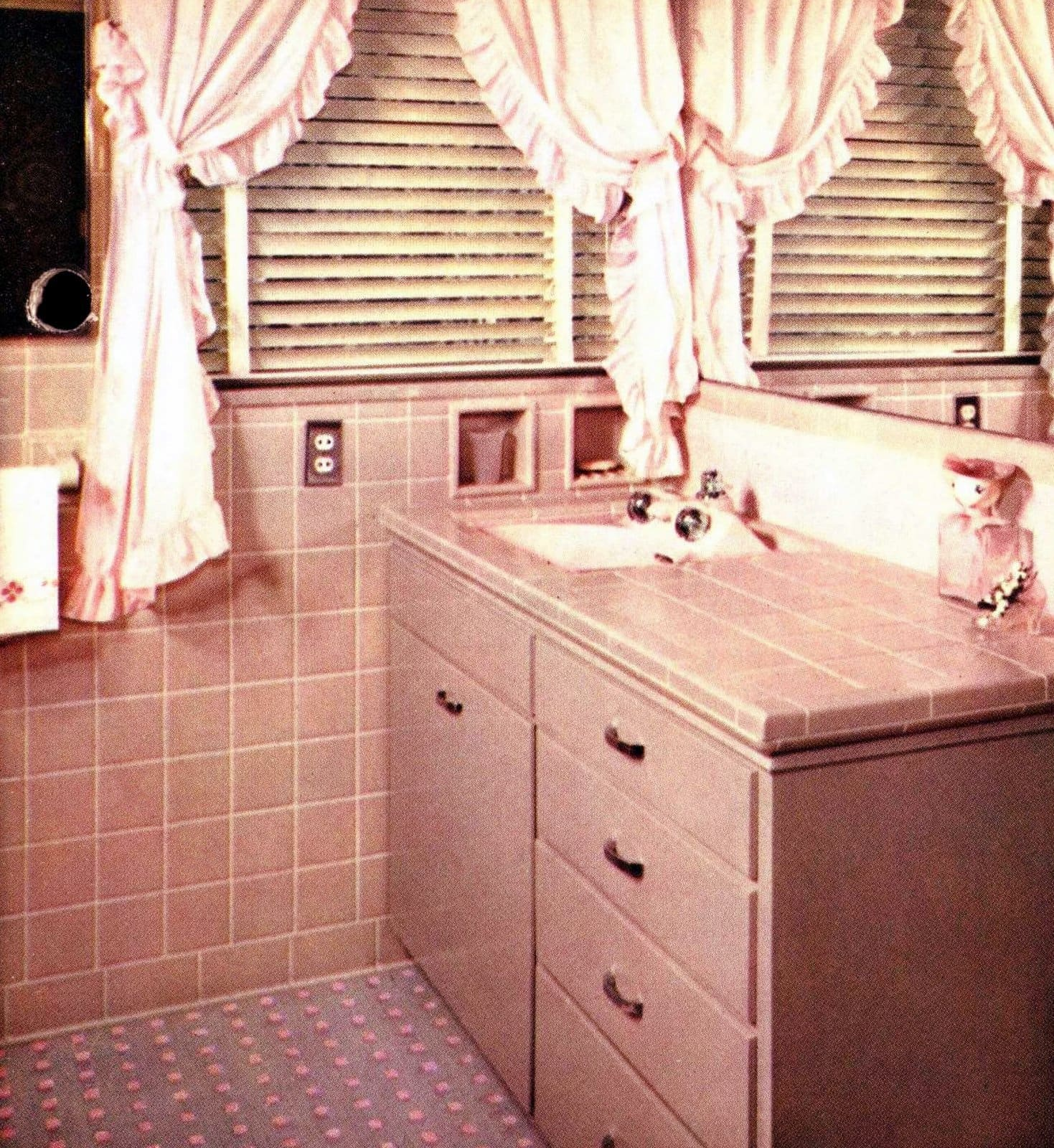 Pink pink bathroom tile from the fifties
