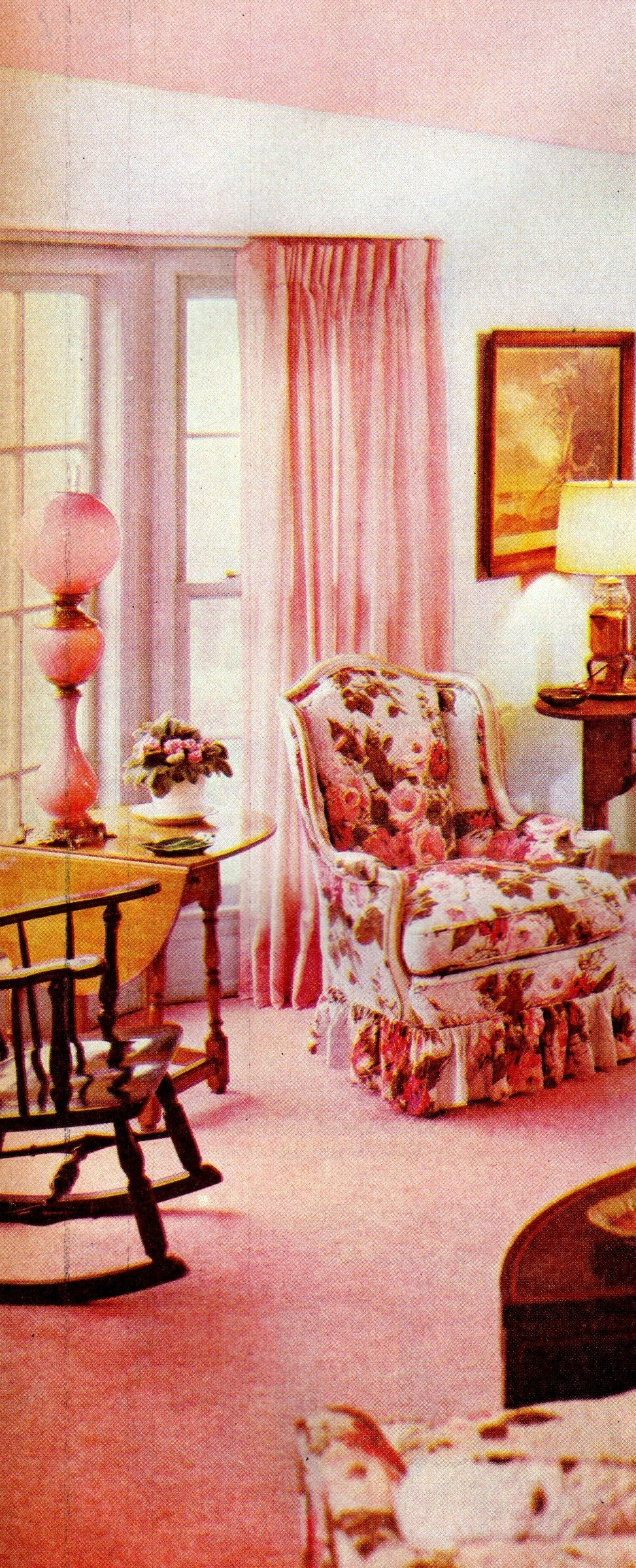 Pink vintage decor including pink ceiling (1959)