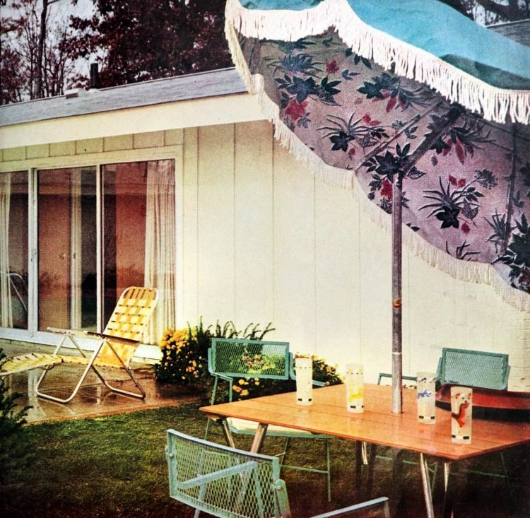 Poolside backyard - Vintage sixties Scholz Mark 60 house