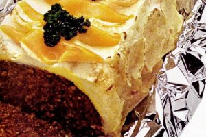 Potato-cheese frosted meatloaf - Retro recipe
