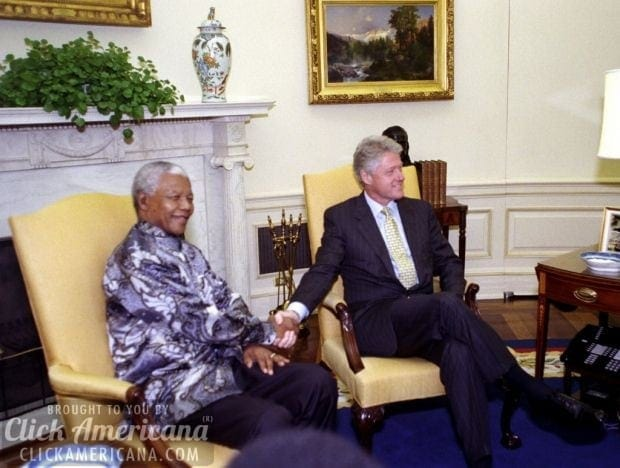 Presidents Clinton and Mandela October 21 1999 Oval Office