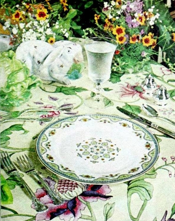 Pretty floral placesetting from 1977