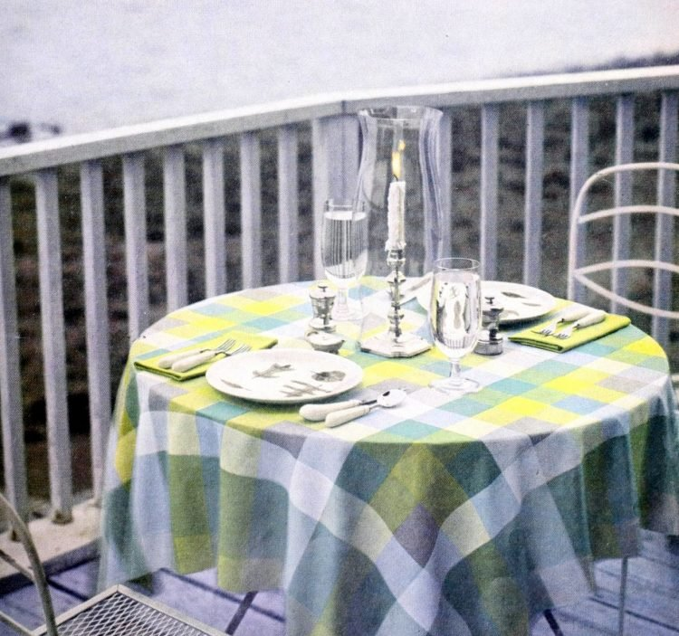 Pretty vintage dining table ideas from the 1950s (2)