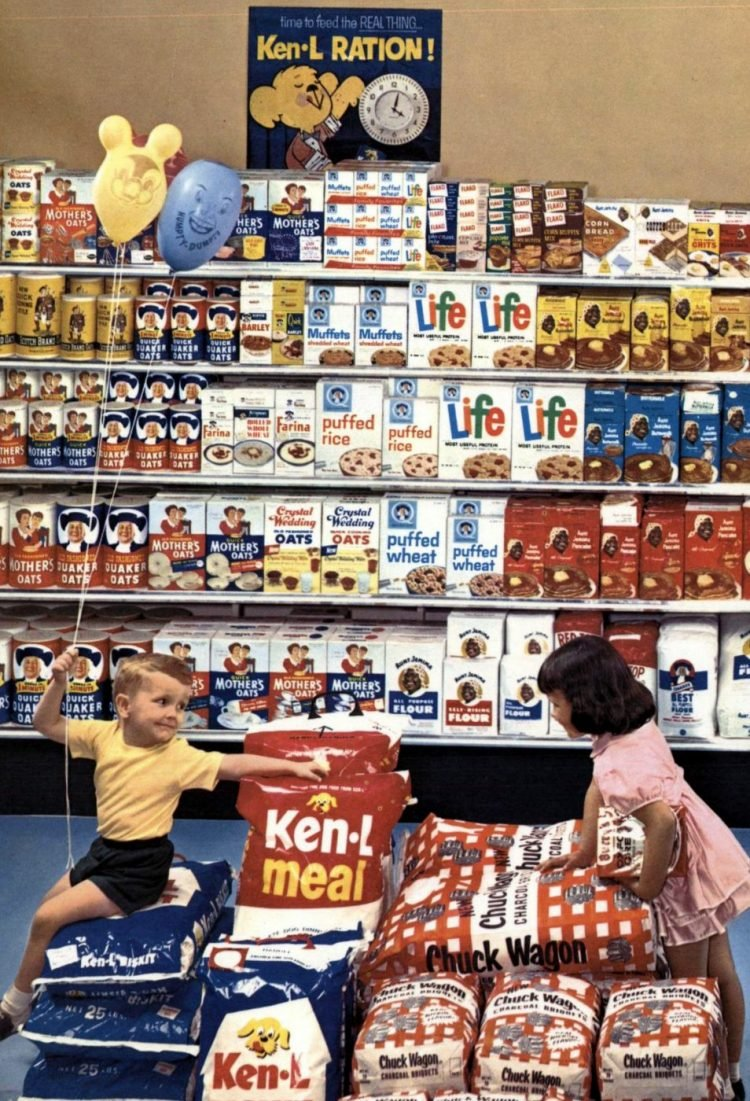 Quaker Cereals at the supermarket - early 1960s (2)