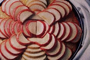 Quick apple coffee cake classic recipe from the '70s