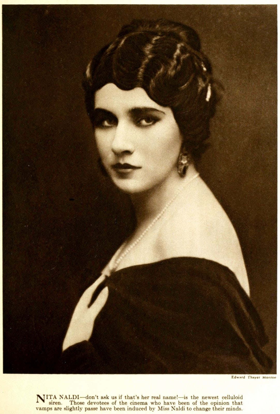 Real vintage 1920s hairstyles for women - actress Nita Naldi