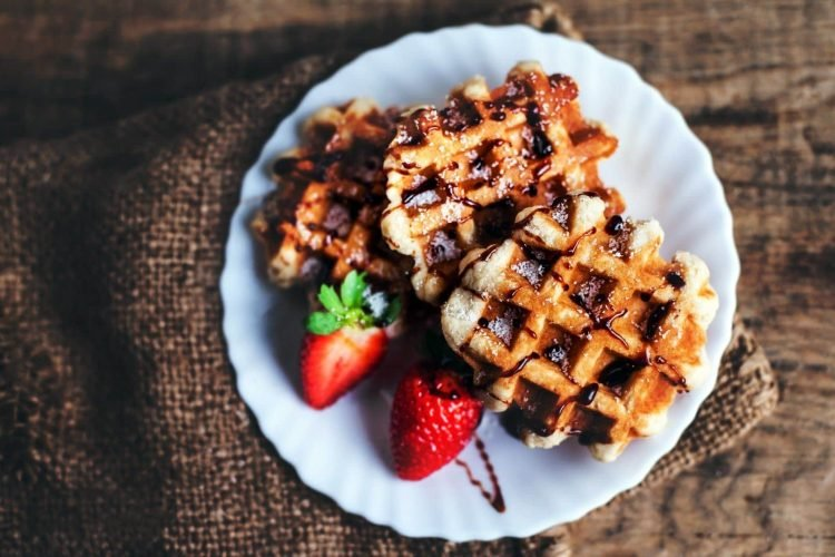 6 ways to make old-fashioned waffles (1939)