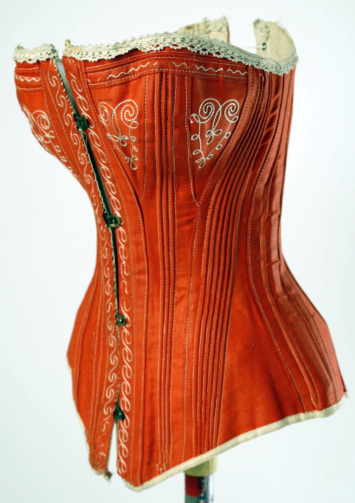 Red vintage corset - American design - 1880s