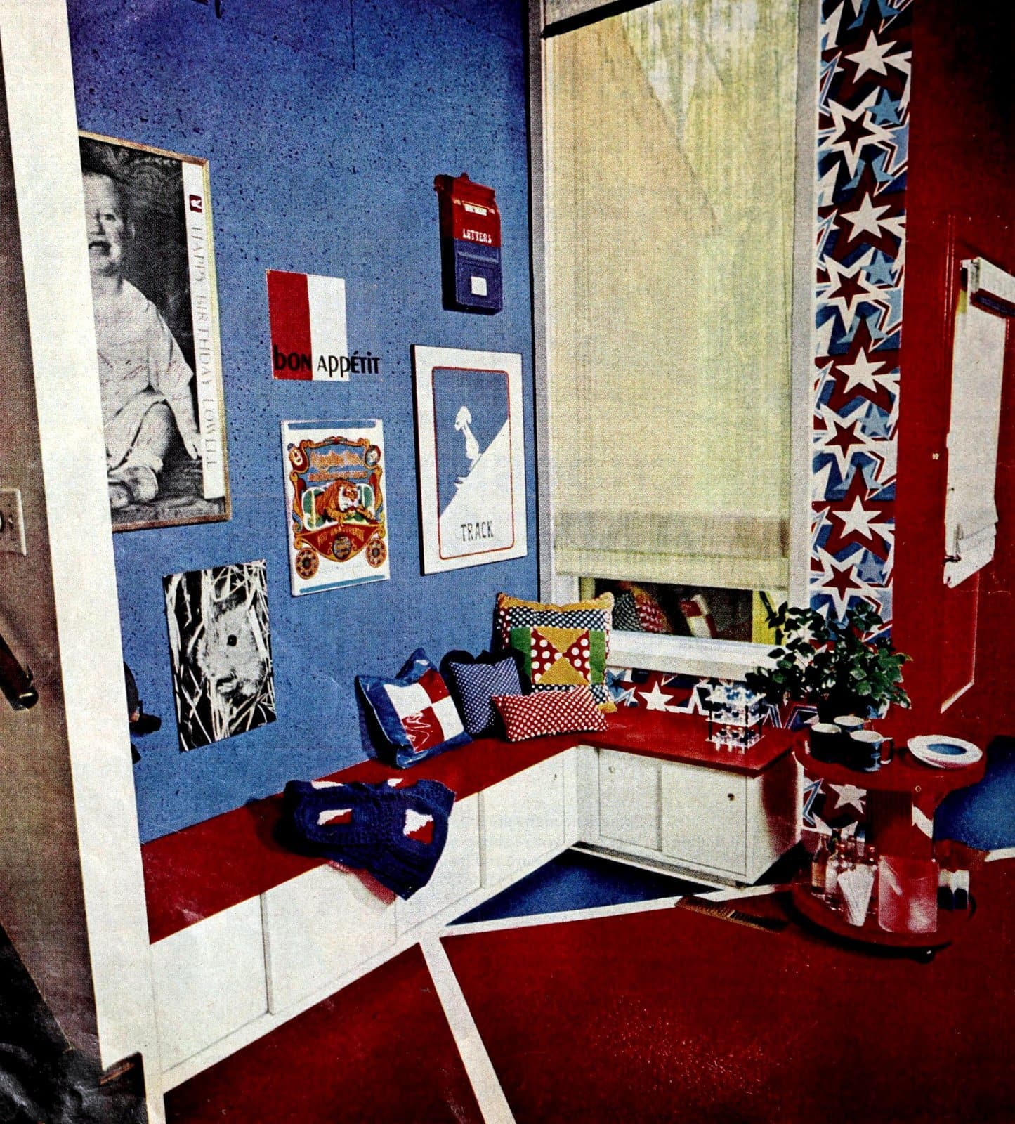 Red white and blue child's bedroom theme with built-in seating (1975)